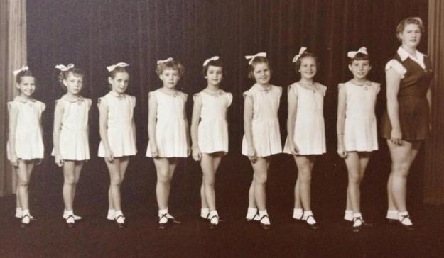 1954 winning team with teacher Mary Smithwick